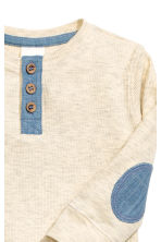 Long-sleeved Henley shirt - Light beige marl - Kids | H&M CN 2
