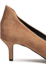 Suede court shoes - Beige - Ladies | H&M CN 4