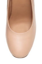 Leather court shoes - Light beige - Ladies | H&M CN 3