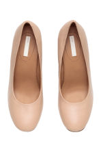 Leather court shoes - Light beige - Ladies | H&M CN 2