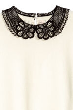 Fine-knit top with a collar - Natural white - Ladies | H&M 3