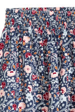 Patterned shorts - Dark blue/Small floral - Ladies | H&M CN 3