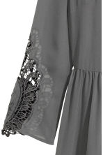 Chiffon dress with lace - Dark grey - Ladies | H&M CN 3