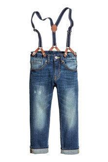 Tapered Jeans con bretelle