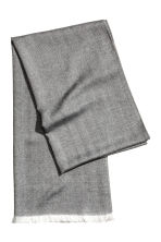 Herringbone-patterned scarf - Dark grey - Men | H&M CN 2