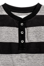 Henley shirt in slub jersey - Black/Striped - Kids | H&M CN 3
