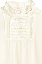 Blouse with macramé details - Natural white - Ladies | H&M CN 3