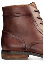 Brogue-patterned chukka boots - Dark cognac brown - Men | H&M CN 4