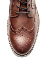 Brogue-patterned chukka boots - Dark cognac brown - Men | H&M CN 3