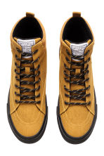 Hi-top trainers - Mustard yellow - Men | H&M CN 2