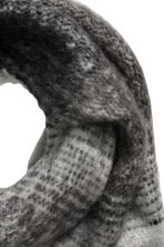 Large scarf - Grey - Ladies | H&M CN 2