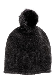 Fine-knit hat with pompom