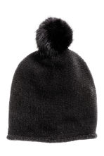 Fine-knit hat with pompom - Black - Ladies | H&M CN 1