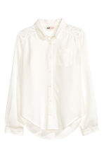 Blouse with lace details - White - Kids | H&M CN 2
