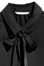 Blouse with a tie - Black - Ladies | H&M CN 5