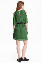 Cold shoulder dress - Emerald green - Ladies | H&M CN 4