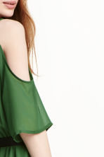 Cold shoulder dress - Emerald green - Ladies | H&M CN 3
