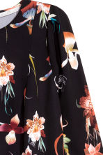 Knee-length dress - Black/Floral -  | H&M CN 4