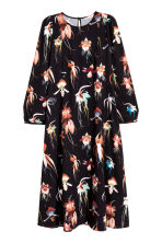 Knee-length dress - Black/Floral -  | H&M CN 2
