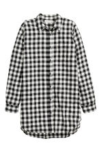 Long flannel shirt - Black/White/Checked - Ladies | H&M GB 2