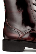 Brogue-patterned boots - Burgundy - Ladies | H&M CN 5