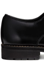 Derby shoes with chunky soles - Black - Men | H&M CN 4