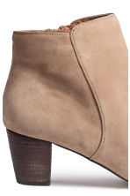 Suede ankle boots - Light beige - Ladies | H&M CN 5