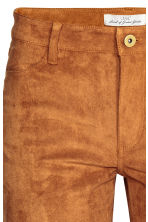Trousers Slim fit - Camel - Ladies | H&M CN 4