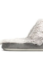 Soft slippers - Grey - Ladies | H&M CN 4