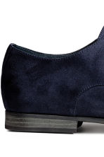 Scarpe derby a punta - Blu scuro - UOMO | H&M IT 4