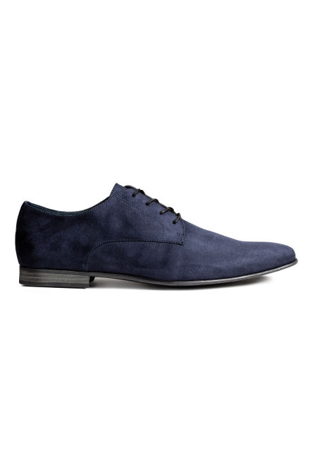 Derby shoes with pointed toes
