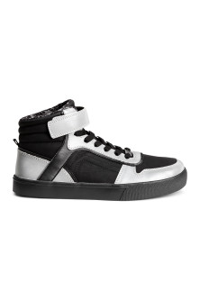 Hi-top trainers