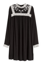 Embroidered dress - Black - Ladies | H&M CN 2