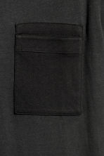 T-shirt with a chest pocket - Black - Men | H&M CN 3