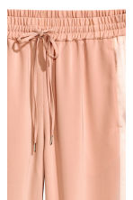 Joggers con bande in satin - Beige cipria - DONNA | H&M IT 2