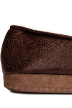 Pile-lined slippers - Dark brown - Men | H&M CN 4