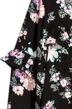 Shirt with a frilled yoke - Black/Roses - Ladies | H&M CN 3