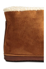 Pile-lined slippers - Camel - Men | H&M CN 4