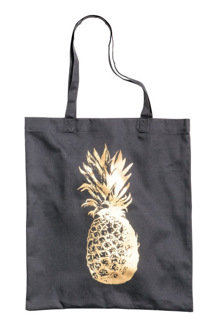 Tote bag with a motif