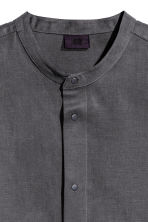Shirt in a lyocell blend - Dark grey - Men | H&M CN 3