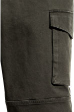 Cargo trousers Slim fit - Dark khaki green - Men | H&M 5