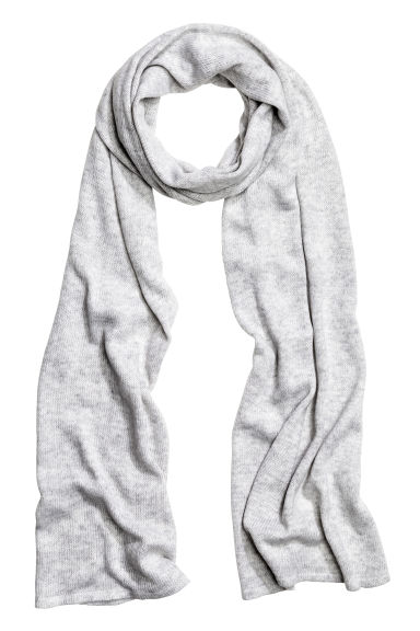 Knitted scarf - Light grey marl - Ladies | H&M CN 1