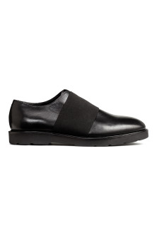 Leather shoes with elastic