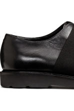 Leather shoes with elastic - Black - Men | H&M CN 4