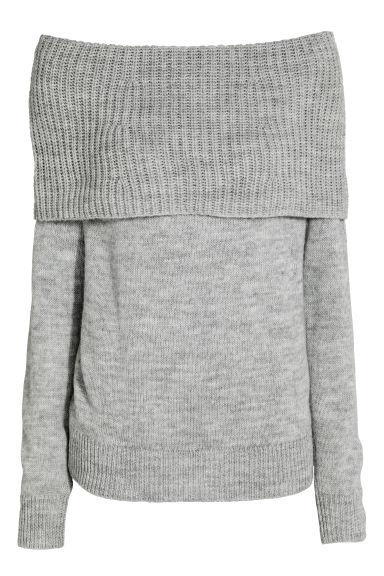 Le pull oversize 15 looks cozy à copier - pull épaules nues
