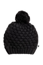 Hat in a textured knit - Black - Kids | H&M CN 1