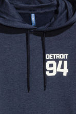 Hooded top with a text motif - Dark blue/Detroit - Men | H&M CN 4