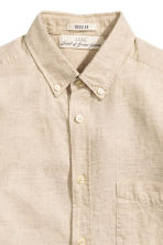 Shirt in a linen blend - Light beige - Men | H&M CN 3