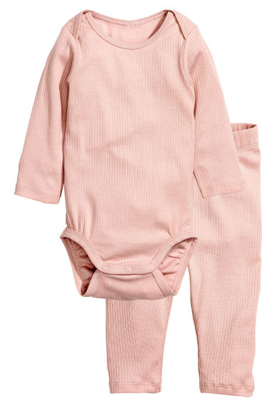 Bodysuit and trousers - Powder pink - Kids | H&M CN 1