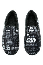 Soft slippers - Black/Star Wars - Men | H&M CN 2